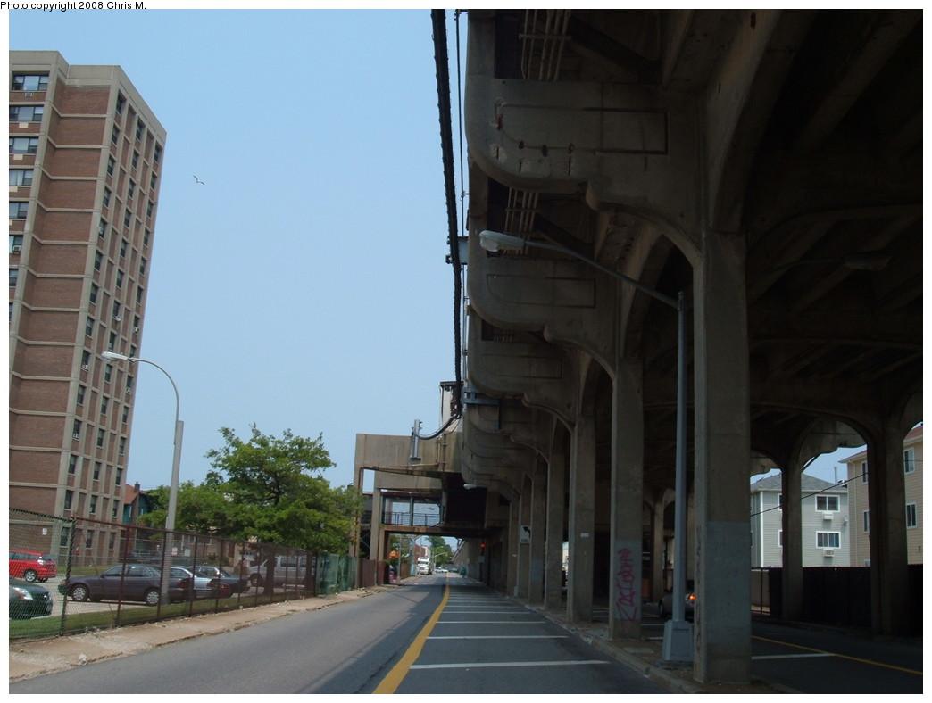 (168k, 1044x788)<br><b>Country:</b> United States<br><b>City:</b> New York<br><b>System:</b> New York City Transit<br><b>Line:</b> IND Rockaway<br><b>Location:</b> Beach 98th Street/Playland <br><b>Photo by:</b> Chris M.<br><b>Date:</b> 6/19/2007<br><b>Notes:</b> View of el under Beach 98 Street station.<br><b>Viewed (this week/total):</b> 1 / 1147