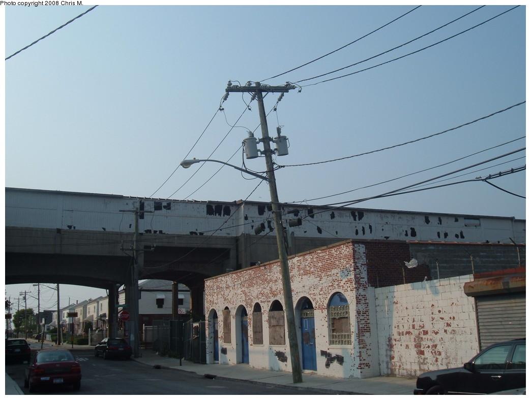 (181k, 1044x788)<br><b>Country:</b> United States<br><b>City:</b> New York<br><b>System:</b> New York City Transit<br><b>Line:</b> IND Rockaway<br><b>Location:</b> Beach 90th Street/Holland <br><b>Photo by:</b> Chris M.<br><b>Date:</b> 6/19/2007<br><b>Viewed (this week/total):</b> 3 / 1266