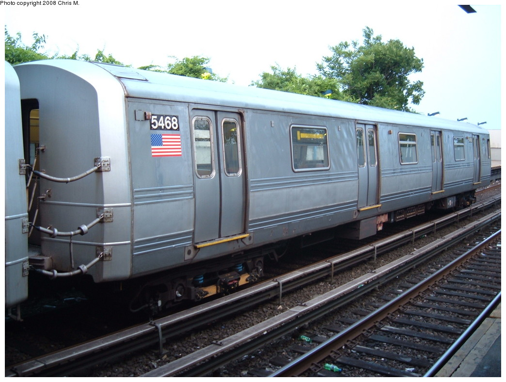 (209k, 1044x788)<br><b>Country:</b> United States<br><b>City:</b> New York<br><b>System:</b> New York City Transit<br><b>Line:</b> IND Rockaway<br><b>Location:</b> Broad Channel <br><b>Car:</b> R-44 (St. Louis, 1971-73) 5468 <br><b>Photo by:</b> Chris M.<br><b>Date:</b> 6/19/2007<br><b>Viewed (this week/total):</b> 2 / 1511