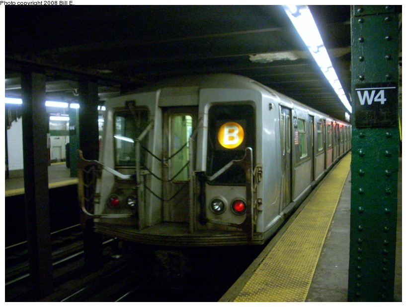 (169k, 819x619)<br><b>Country:</b> United States<br><b>City:</b> New York<br><b>System:</b> New York City Transit<br><b>Line:</b> IND 6th Avenue Line<br><b>Location:</b> West 4th Street/Washington Square <br><b>Route:</b> B<br><b>Car:</b> R-40 (St. Louis, 1968)  4174 <br><b>Photo by:</b> Bill E.<br><b>Date:</b> 2/19/2008<br><b>Viewed (this week/total):</b> 1 / 2157