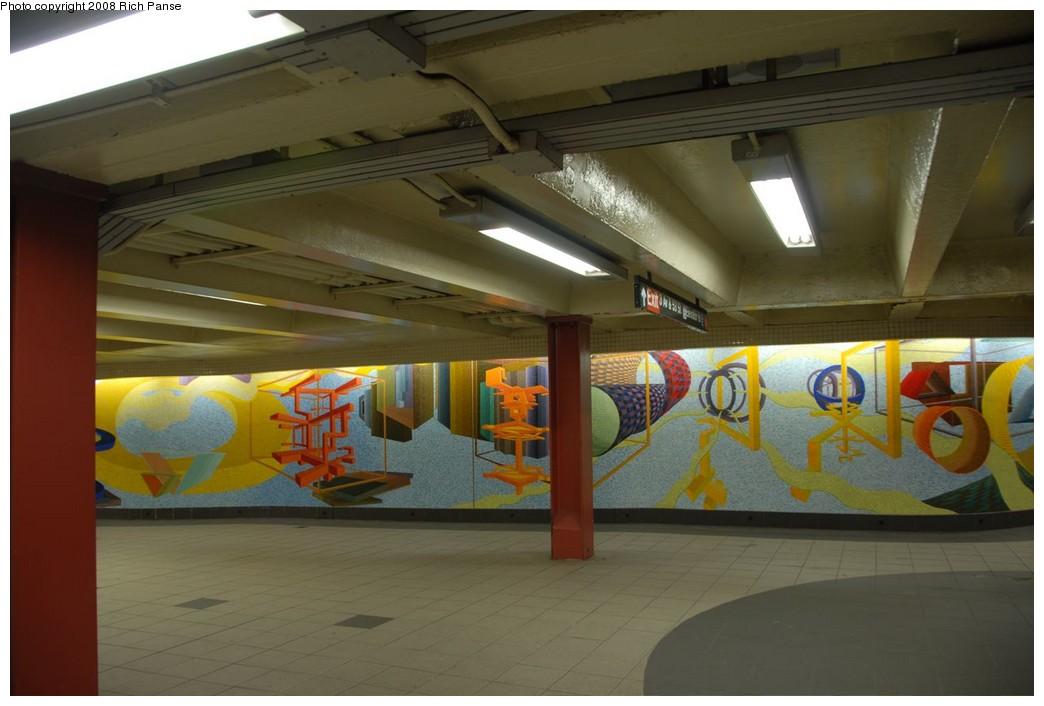 (165k, 1044x706)<br><b>Country:</b> United States<br><b>City:</b> New York<br><b>System:</b> New York City Transit<br><b>Location:</b> 51st-53rd & Lex IRT-IND Transfer<br><b>Photo by:</b> Richard Panse<br><b>Date:</b> 2/16/2008<br><b>Artwork:</b> <i>Passing Through</i>, Al Held (2004).<br><b>Viewed (this week/total):</b> 0 / 1413
