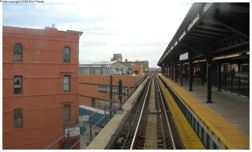 (133k, 1044x631)<br><b>Country:</b> United States<br><b>City:</b> New York<br><b>System:</b> New York City Transit<br><b>Line:</b> BMT Myrtle Avenue Line<br><b>Location:</b> Wyckoff Avenue <br><b>Photo by:</b> Richard Panse<br><b>Date:</b> 2/17/2008<br><b>Viewed (this week/total):</b> 2 / 1815
