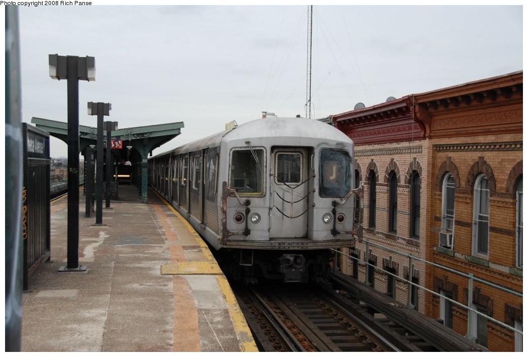 (189k, 1044x706)<br><b>Country:</b> United States<br><b>City:</b> New York<br><b>System:</b> New York City Transit<br><b>Line:</b> BMT Myrtle Avenue Line<br><b>Location:</b> Seneca Avenue <br><b>Route:</b> J reroute.<br><b>Car:</b> R-42 (St. Louis, 1969-1970)  4622 <br><b>Photo by:</b> Richard Panse<br><b>Date:</b> 2/17/2008<br><b>Viewed (this week/total):</b> 1 / 1958