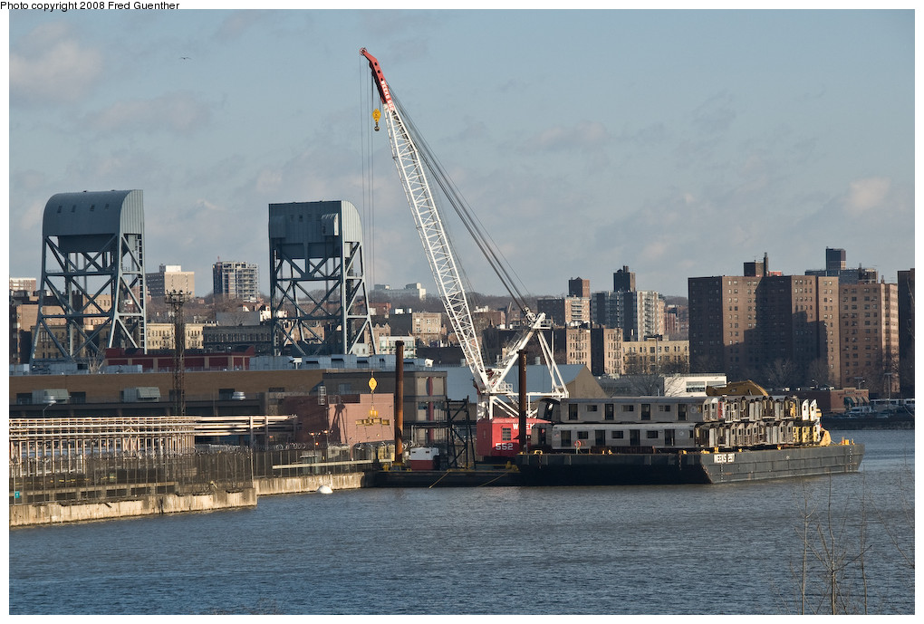 (248k, 1020x689)<br><b>Country:</b> United States<br><b>City:</b> New York<br><b>System:</b> New York City Transit<br><b>Location:</b> 207th Street Yard<br><b>Photo by:</b> Fred Guenther<br><b>Date:</b> 2/19/2008<br><b>Notes:</b> Barge load of cars to be reefed. Closest cars are R32 3937 on top, R42 4913 on bottom.<br><b>Viewed (this week/total):</b> 0 / 1366