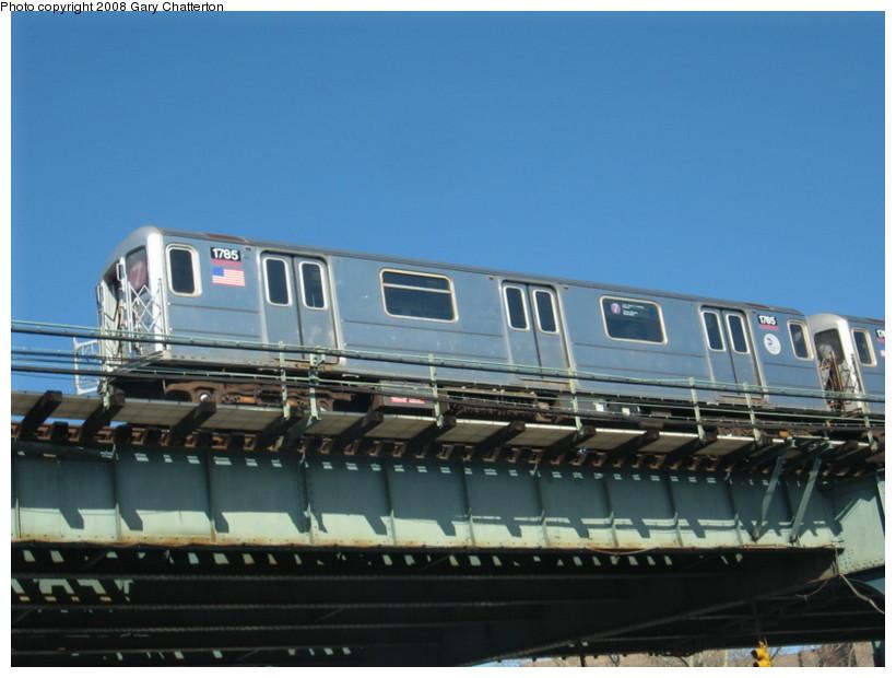 (109k, 820x620)<br><b>Country:</b> United States<br><b>City:</b> New York<br><b>System:</b> New York City Transit<br><b>Line:</b> IRT Flushing Line<br><b>Location:</b> 52nd Street/Lincoln Avenue <br><b>Route:</b> 7<br><b>Car:</b> R-62A (Bombardier, 1984-1987)  1785 <br><b>Photo by:</b> Gary Chatterton<br><b>Date:</b> 2/11/2008<br><b>Viewed (this week/total):</b> 0 / 1693