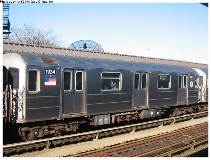 (141k, 820x620)<br><b>Country:</b> United States<br><b>City:</b> New York<br><b>System:</b> New York City Transit<br><b>Line:</b> IRT Flushing Line<br><b>Location:</b> 52nd Street/Lincoln Avenue <br><b>Route:</b> 7<br><b>Car:</b> R-62A (Bombardier, 1984-1987)  1934 <br><b>Photo by:</b> Gary Chatterton<br><b>Date:</b> 2/14/2008<br><b>Viewed (this week/total):</b> 0 / 1544