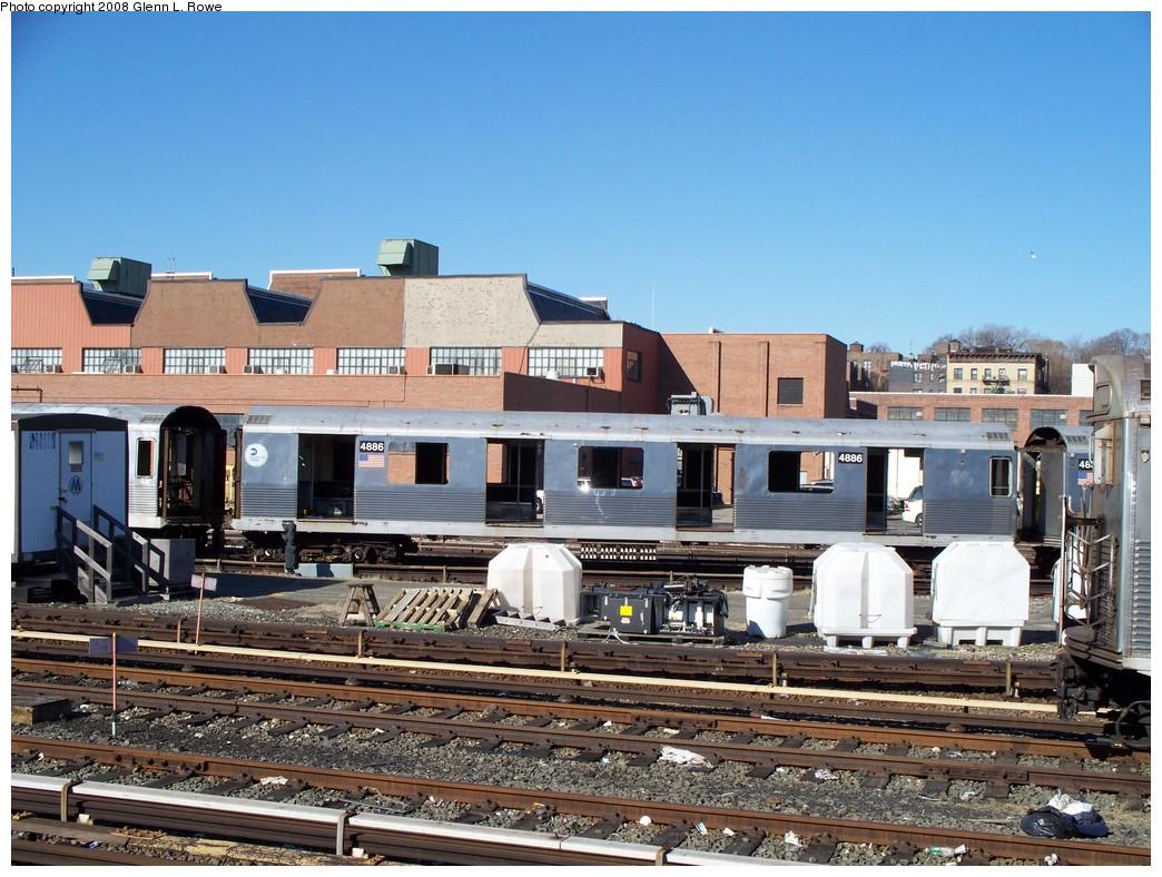 (259k, 1044x788)<br><b>Country:</b> United States<br><b>City:</b> New York<br><b>System:</b> New York City Transit<br><b>Location:</b> 207th Street Yard<br><b>Car:</b> R-42 (St. Louis, 1969-1970)  4886 <br><b>Photo by:</b> Glenn L. Rowe<br><b>Date:</b> 2/21/2008<br><b>Viewed (this week/total):</b> 1 / 1111