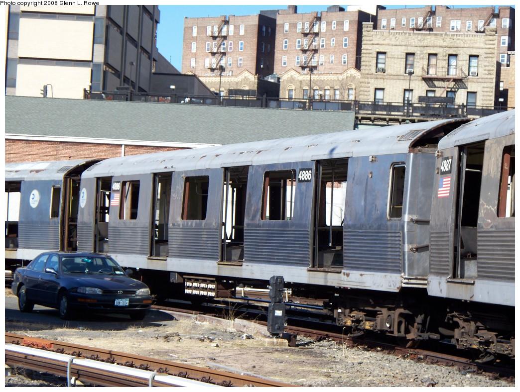 (274k, 1044x788)<br><b>Country:</b> United States<br><b>City:</b> New York<br><b>System:</b> New York City Transit<br><b>Location:</b> 207th Street Yard<br><b>Car:</b> R-42 (St. Louis, 1969-1970)  4886 <br><b>Photo by:</b> Glenn L. Rowe<br><b>Date:</b> 2/21/2008<br><b>Viewed (this week/total):</b> 1 / 1122