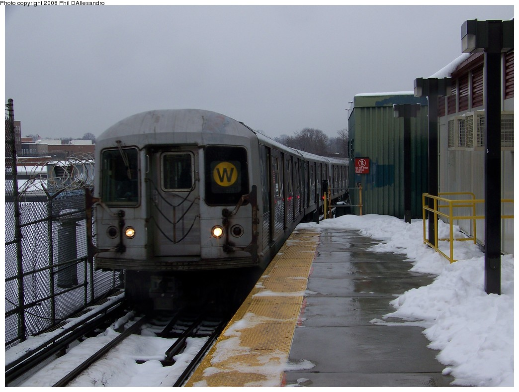 (201k, 1044x788)<br><b>Country:</b> United States<br><b>City:</b> New York<br><b>System:</b> New York City Transit<br><b>Line:</b> BMT Myrtle Avenue Line<br><b>Location:</b> Fresh Pond Road <br><b>Route:</b> M<br><b>Car:</b> R-42 (St. Louis, 1969-1970)  4821 <br><b>Photo by:</b> Philip D'Allesandro<br><b>Date:</b> 2/22/2008<br><b>Notes:</b> Wrong rollsign<br><b>Viewed (this week/total):</b> 4 / 2778