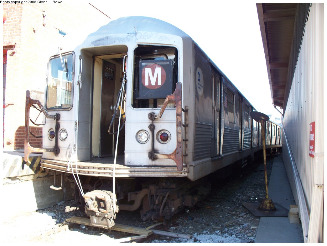 (199k, 1044x788)<br><b>Country:</b> United States<br><b>City:</b> New York<br><b>System:</b> New York City Transit<br><b>Location:</b> 207th Street Yard<br><b>Car:</b> R-42 (St. Louis, 1969-1970)  4625 <br><b>Photo by:</b> Glenn L. Rowe<br><b>Date:</b> 2/21/2008<br><b>Viewed (this week/total):</b> 0 / 1367