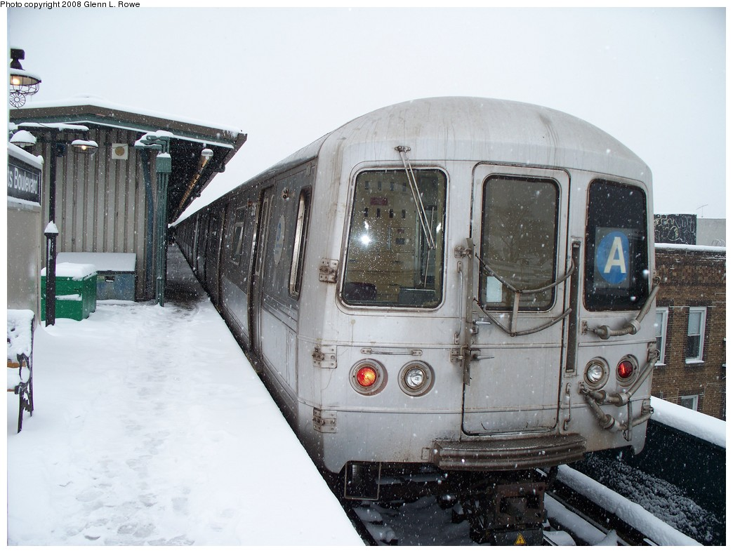 (219k, 1044x788)<br><b>Country:</b> United States<br><b>City:</b> New York<br><b>System:</b> New York City Transit<br><b>Line:</b> IND Fulton Street Line<br><b>Location:</b> Lefferts Boulevard <br><b>Route:</b> A<br><b>Car:</b> R-44 (St. Louis, 1971-73) 5316 <br><b>Photo by:</b> Glenn L. Rowe<br><b>Date:</b> 2/22/2008<br><b>Viewed (this week/total):</b> 0 / 1336