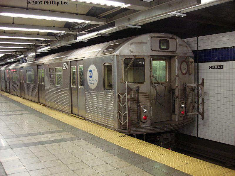 (102k, 800x600)<br><b>Country:</b> United States<br><b>City:</b> New York<br><b>System:</b> New York City Transit<br><b>Line:</b> IND 8th Avenue Line<br><b>Location:</b> Canal Street-Holland Tunnel <br><b>Route:</b> C<br><b>Car:</b> R-38 (St. Louis, 1966-1967)  3994 <br><b>Photo by:</b> Phillip Lee<br><b>Date:</b> 10/18/2007<br><b>Viewed (this week/total):</b> 6 / 1914