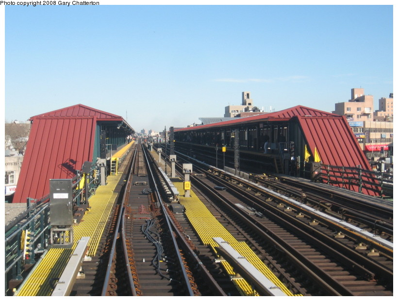 (148k, 820x620)<br><b>Country:</b> United States<br><b>City:</b> New York<br><b>System:</b> New York City Transit<br><b>Line:</b> IRT Flushing Line<br><b>Location:</b> 74th Street/Broadway <br><b>Photo by:</b> Gary Chatterton<br><b>Date:</b> 2/14/2008<br><b>Notes:</b> New Switch Track West of 74 St Station, S/B Local-Express<br><b>Viewed (this week/total):</b> 0 / 1433