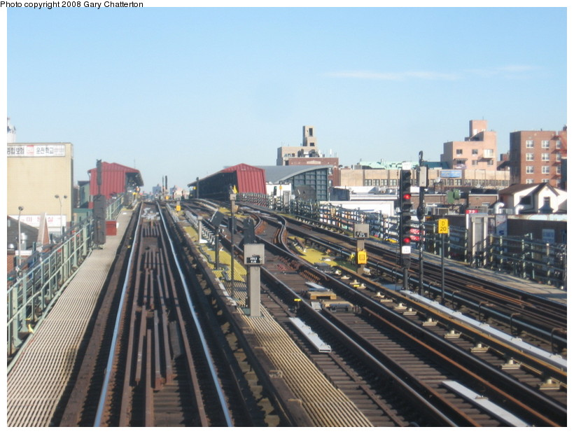 (141k, 820x620)<br><b>Country:</b> United States<br><b>City:</b> New York<br><b>System:</b> New York City Transit<br><b>Line:</b> IRT Flushing Line<br><b>Location:</b> 74th Street/Broadway <br><b>Photo by:</b> Gary Chatterton<br><b>Date:</b> 2/14/2008<br><b>Notes:</b> New Switch Track West of 74 St Station, Express-N/B Local<br><b>Viewed (this week/total):</b> 1 / 1029