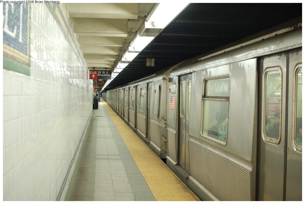 (207k, 1044x700)<br><b>Country:</b> United States<br><b>City:</b> New York<br><b>System:</b> New York City Transit<br><b>Line:</b> BMT Broadway Line<br><b>Location:</b> 28th Street <br><b>Route:</b> N<br><b>Car:</b> R-40M (St. Louis, 1969)  4534 <br><b>Photo by:</b> Brian Weinberg<br><b>Date:</b> 2/23/2008<br><b>Viewed (this week/total):</b> 3 / 2736