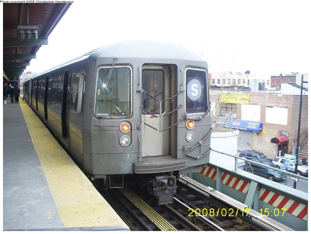 (251k, 1044x788)<br><b>Country:</b> United States<br><b>City:</b> New York<br><b>System:</b> New York City Transit<br><b>Line:</b> BMT Franklin<br><b>Location:</b> Franklin Avenue <br><b>Route:</b> Franklin Shuttle<br><b>Car:</b> R-68 (Westinghouse-Amrail, 1986-1988)   <br><b>Photo by:</b> Christopher Henderson<br><b>Date:</b> 2/17/2008<br><b>Viewed (this week/total):</b> 0 / 2506