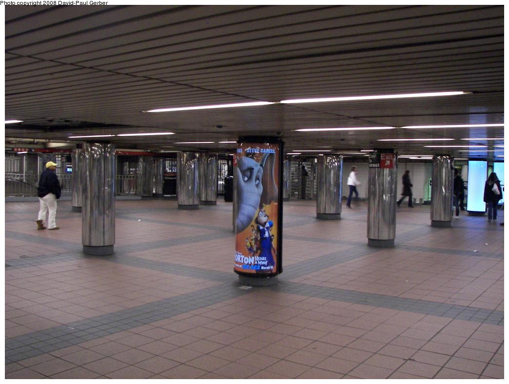 (270k, 1044x788)<br><b>Country:</b> United States<br><b>City:</b> New York<br><b>System:</b> New York City Transit<br><b>Line:</b> IND 6th Avenue Line<br><b>Location:</b> 34th Street/Herald Square <br><b>Photo by:</b> David-Paul Gerber<br><b>Date:</b> 2/23/2008<br><b>Notes:</b> Mezzanine view.<br><b>Viewed (this week/total):</b> 0 / 2085
