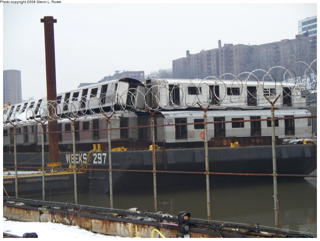 (209k, 1044x788)<br><b>Country:</b> United States<br><b>City:</b> New York<br><b>System:</b> New York City Transit<br><b>Location:</b> 207th Street Yard<br><b>Car:</b> R-32 (GE Rebuild) 3937 <br><b>Photo by:</b> Glenn L. Rowe<br><b>Date:</b> 2/26/2008<br><b>Notes:</b> With R42 4913<br><b>Viewed (this week/total):</b> 0 / 2218