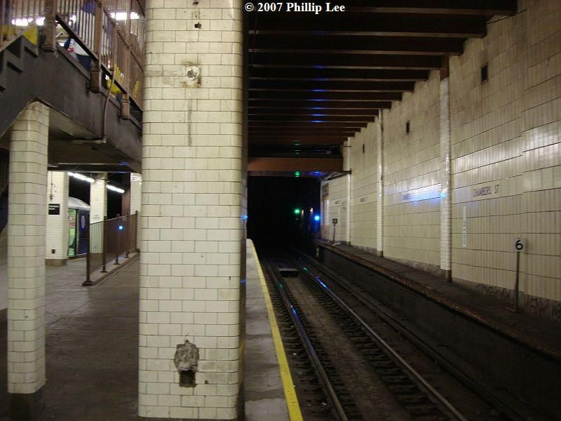 (88k, 800x600)<br><b>Country:</b> United States<br><b>City:</b> New York<br><b>System:</b> New York City Transit<br><b>Line:</b> BMT Nassau Street/Jamaica Line<br><b>Location:</b> Chambers Street <br><b>Photo by:</b> Phillip Lee<br><b>Date:</b> 12/30/2007<br><b>Viewed (this week/total):</b> 0 / 2686
