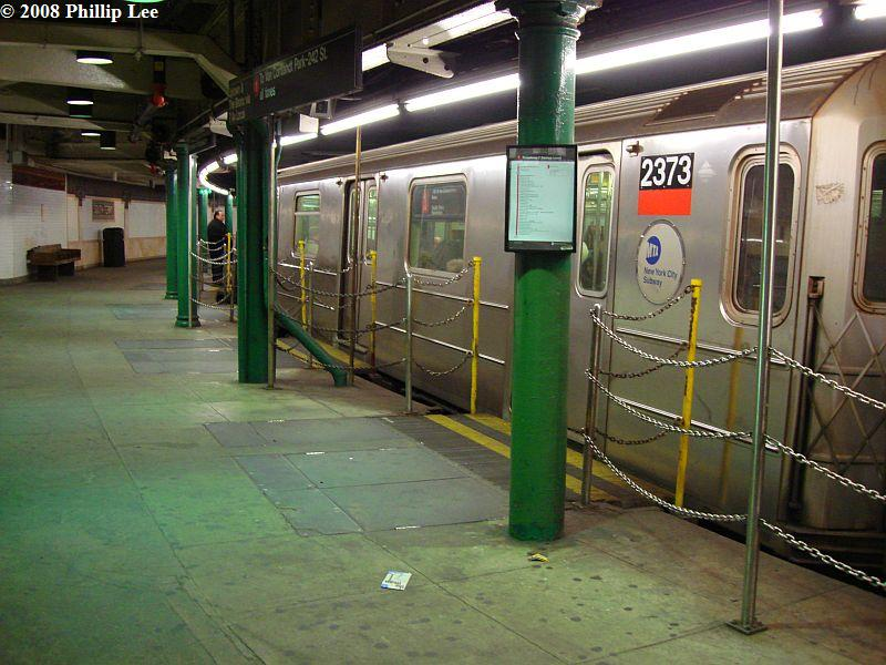 (105k, 800x600)<br><b>Country:</b> United States<br><b>City:</b> New York<br><b>System:</b> New York City Transit<br><b>Line:</b> IRT West Side Line<br><b>Location:</b> South Ferry (Outer Loop Station) <br><b>Route:</b> 1<br><b>Car:</b> R-62A (Bombardier, 1984-1987)  2373 <br><b>Photo by:</b> Phillip Lee<br><b>Date:</b> 1/17/2008<br><b>Viewed (this week/total):</b> 1 / 2925