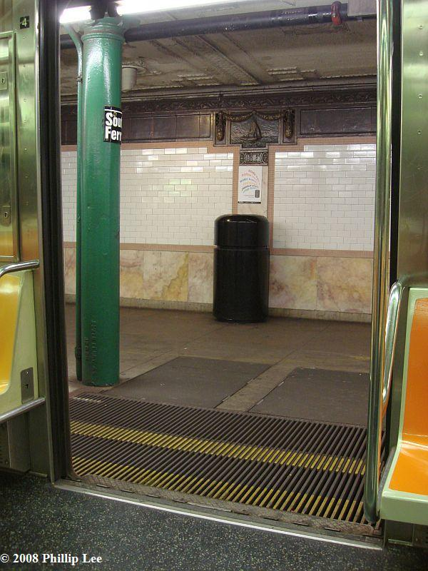 (109k, 600x800)<br><b>Country:</b> United States<br><b>City:</b> New York<br><b>System:</b> New York City Transit<br><b>Line:</b> IRT West Side Line<br><b>Location:</b> South Ferry (Outer Loop Station) <br><b>Photo by:</b> Phillip Lee<br><b>Date:</b> 1/17/2008<br><b>Notes:</b> Gap filler.<br><b>Viewed (this week/total):</b> 1 / 2679