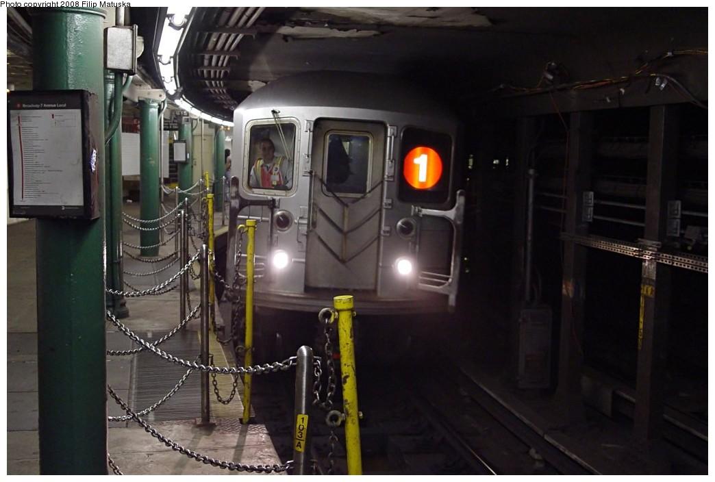 (151k, 1044x704)<br><b>Country:</b> United States<br><b>City:</b> New York<br><b>System:</b> New York City Transit<br><b>Line:</b> IRT West Side Line<br><b>Location:</b> South Ferry (Outer Loop Station) <br><b>Route:</b> 1<br><b>Car:</b> R-62A (Bombardier, 1984-1987)   <br><b>Photo by:</b> Filip Matuska<br><b>Date:</b> 6/6/2007<br><b>Viewed (this week/total):</b> 0 / 1760