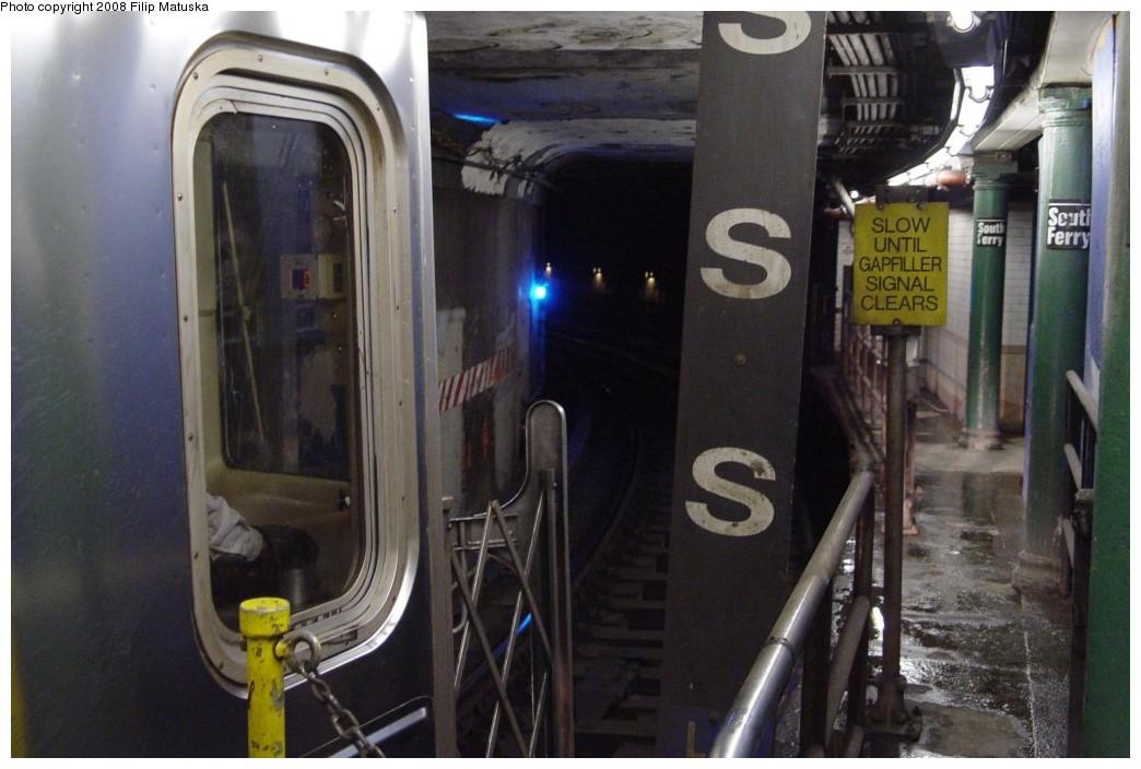 (163k, 1044x704)<br><b>Country:</b> United States<br><b>City:</b> New York<br><b>System:</b> New York City Transit<br><b>Line:</b> IRT West Side Line<br><b>Location:</b> South Ferry (Outer Loop Station) <br><b>Route:</b> 1<br><b>Car:</b> R-62A (Bombardier, 1984-1987)   <br><b>Photo by:</b> Filip Matuska<br><b>Date:</b> 6/6/2007<br><b>Viewed (this week/total):</b> 4 / 2304