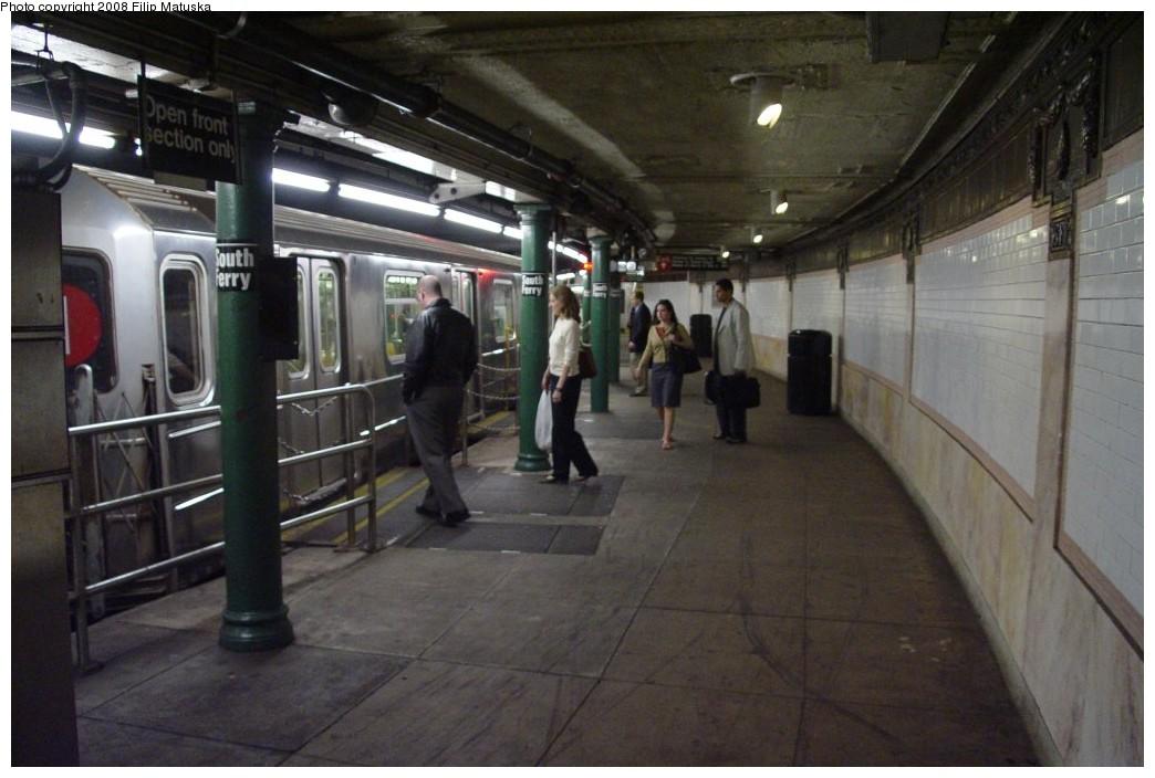 (164k, 1044x704)<br><b>Country:</b> United States<br><b>City:</b> New York<br><b>System:</b> New York City Transit<br><b>Line:</b> IRT West Side Line<br><b>Location:</b> South Ferry (Outer Loop Station) <br><b>Route:</b> 1<br><b>Car:</b> R-62A (Bombardier, 1984-1987)   <br><b>Photo by:</b> Filip Matuska<br><b>Date:</b> 6/6/2007<br><b>Viewed (this week/total):</b> 2 / 1742