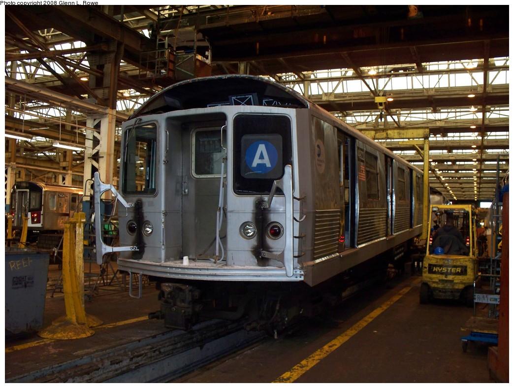 (242k, 1044x788)<br><b>Country:</b> United States<br><b>City:</b> New York<br><b>System:</b> New York City Transit<br><b>Location:</b> 207th Street Shop<br><b>Car:</b> R-42 (St. Louis, 1969-1970)  4922 <br><b>Photo by:</b> Glenn L. Rowe<br><b>Date:</b> 2/27/2008<br><b>Viewed (this week/total):</b> 2 / 1682