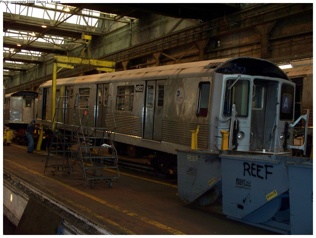 (214k, 1044x788)<br><b>Country:</b> United States<br><b>City:</b> New York<br><b>System:</b> New York City Transit<br><b>Location:</b> 207th Street Shop<br><b>Car:</b> R-42 (St. Louis, 1969-1970)  4922 <br><b>Photo by:</b> Glenn L. Rowe<br><b>Date:</b> 2/27/2008<br><b>Viewed (this week/total):</b> 0 / 1218