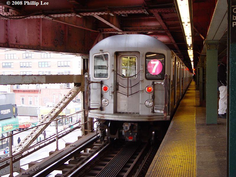 (106k, 800x600)<br><b>Country:</b> United States<br><b>City:</b> New York<br><b>System:</b> New York City Transit<br><b>Line:</b> IRT Flushing Line<br><b>Location:</b> Queensborough Plaza <br><b>Route:</b> 7<br><b>Car:</b> R-62A (Bombardier, 1984-1987)   <br><b>Photo by:</b> Phillip Lee<br><b>Date:</b> 1/17/2008<br><b>Viewed (this week/total):</b> 0 / 1576