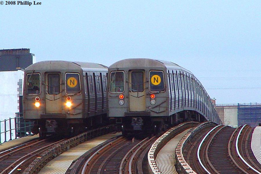 (95k, 900x600)<br><b>Country:</b> United States<br><b>City:</b> New York<br><b>System:</b> New York City Transit<br><b>Line:</b> BMT Astoria Line<br><b>Location:</b> 30th/Grand Aves. <br><b>Route:</b> N<br><b>Car:</b> R-68/R-68A Series (Number Unknown)  <br><b>Photo by:</b> Phillip Lee<br><b>Date:</b> 1/17/2008<br><b>Viewed (this week/total):</b> 0 / 2374