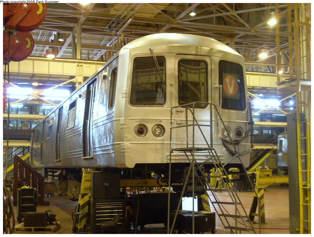 (285k, 1044x788)<br><b>Country:</b> United States<br><b>City:</b> New York<br><b>System:</b> New York City Transit<br><b>Location:</b> Coney Island Shop/Overhaul & Repair Shop<br><b>Car:</b> R-46 (Pullman-Standard, 1974-75) 5570 <br><b>Photo by:</b> Zach Summer<br><b>Date:</b> 12/20/2007<br><b>Viewed (this week/total):</b> 0 / 1848