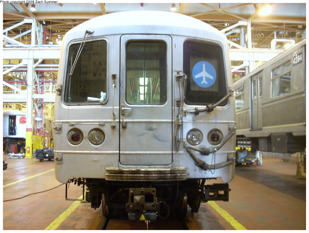 (240k, 1044x788)<br><b>Country:</b> United States<br><b>City:</b> New York<br><b>System:</b> New York City Transit<br><b>Location:</b> Coney Island Shop/Overhaul & Repair Shop<br><b>Car:</b> R-46 (Pullman-Standard, 1974-75) 5660 <br><b>Photo by:</b> Zach Summer<br><b>Date:</b> 12/20/2007<br><b>Viewed (this week/total):</b> 2 / 2064