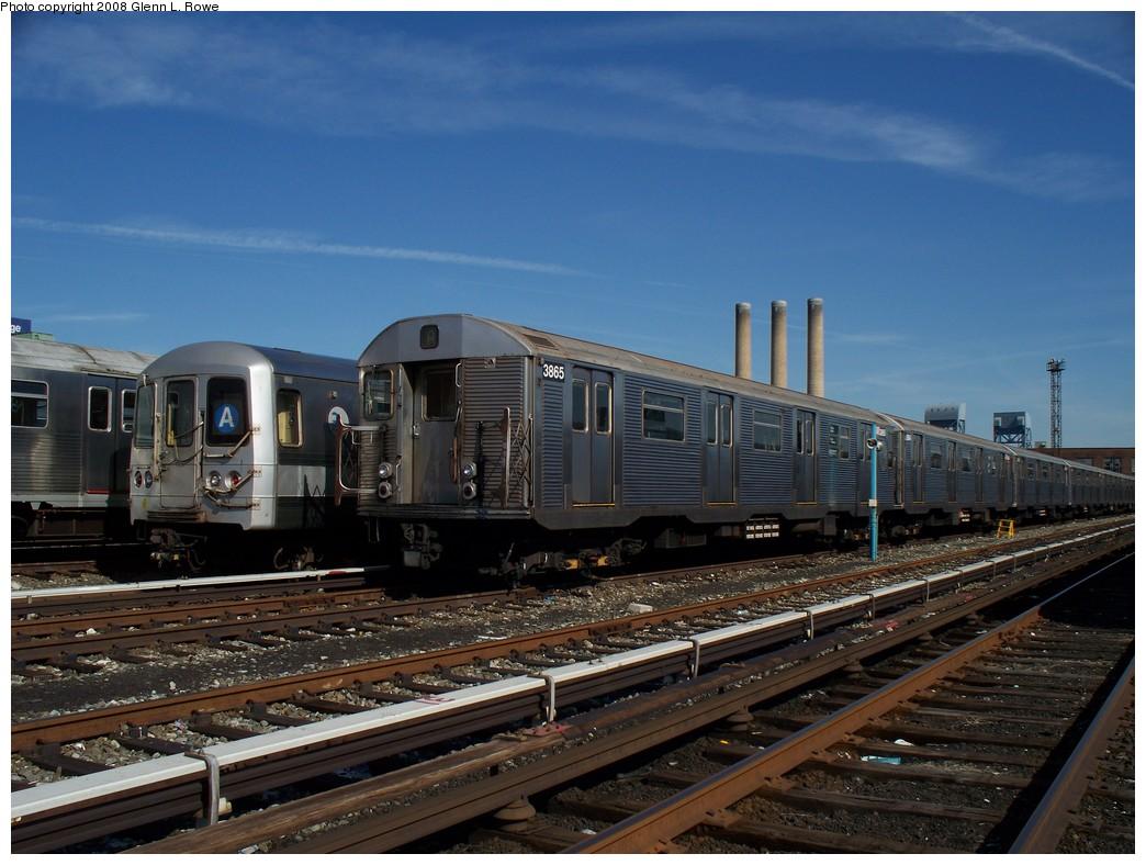 (215k, 1044x788)<br><b>Country:</b> United States<br><b>City:</b> New York<br><b>System:</b> New York City Transit<br><b>Location:</b> 207th Street Yard<br><b>Car:</b> R-32 (Budd, 1964)  3865 <br><b>Photo by:</b> Glenn L. Rowe<br><b>Date:</b> 3/6/2008<br><b>Viewed (this week/total):</b> 0 / 1573