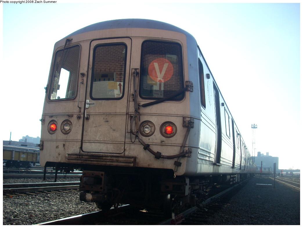 (208k, 1044x788)<br><b>Country:</b> United States<br><b>City:</b> New York<br><b>System:</b> New York City Transit<br><b>Location:</b> Coney Island Yard<br><b>Car:</b> R-46 (Pullman-Standard, 1974-75)  <br><b>Photo by:</b> Zach Summer<br><b>Date:</b> 12/20/2007<br><b>Viewed (this week/total):</b> 1 / 1551