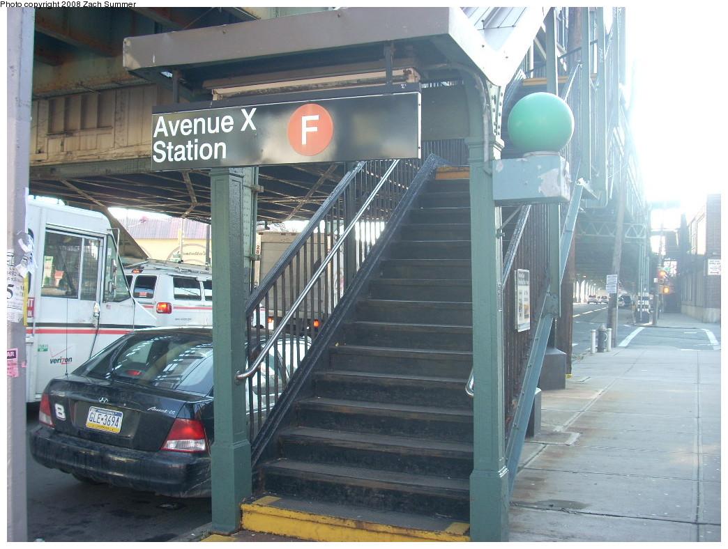 (262k, 1044x788)<br><b>Country:</b> United States<br><b>City:</b> New York<br><b>System:</b> New York City Transit<br><b>Line:</b> BMT Culver Line<br><b>Location:</b> Avenue X <br><b>Photo by:</b> Zach Summer<br><b>Date:</b> 12/20/2007<br><b>Viewed (this week/total):</b> 0 / 1506
