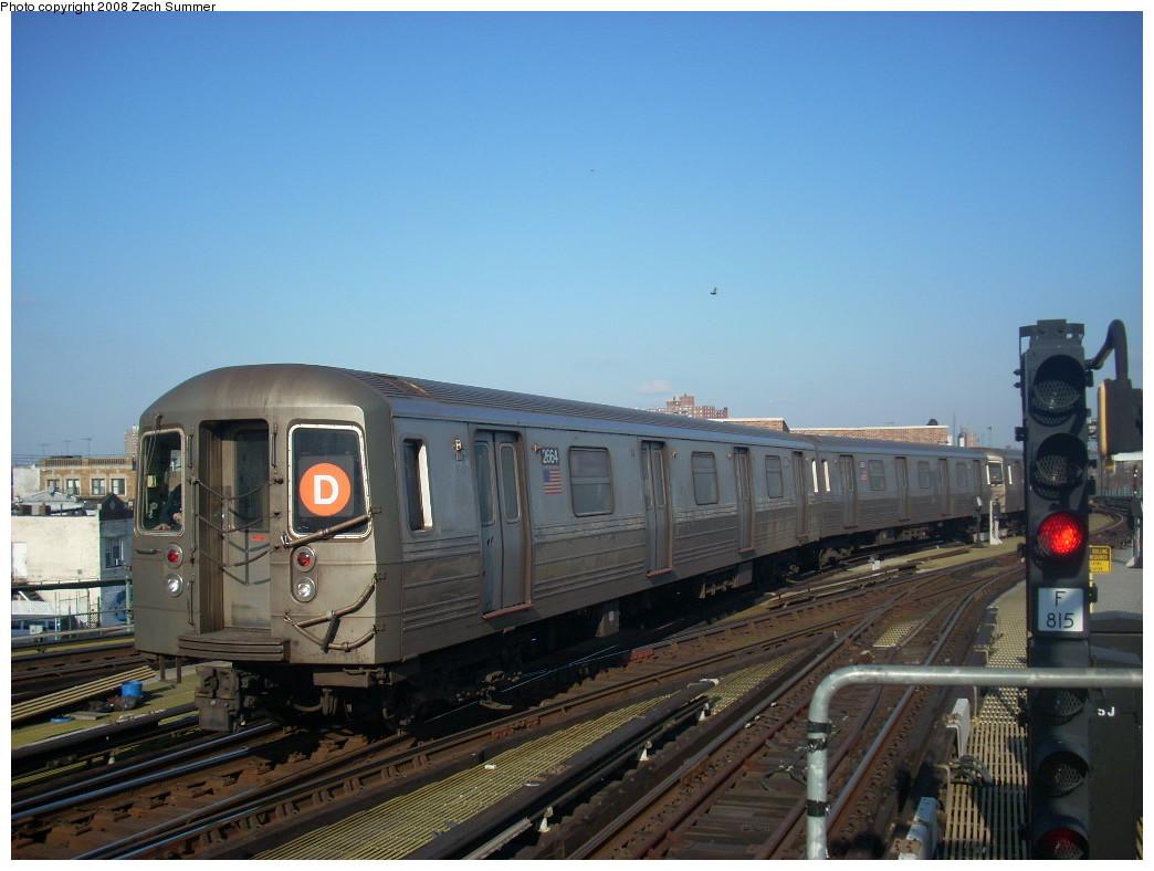 (222k, 1044x788)<br><b>Country:</b> United States<br><b>City:</b> New York<br><b>System:</b> New York City Transit<br><b>Location:</b> Coney Island/Stillwell Avenue<br><b>Route:</b> D<br><b>Car:</b> R-68 (Westinghouse-Amrail, 1986-1988)  2664 <br><b>Photo by:</b> Zach Summer<br><b>Date:</b> 12/20/2007<br><b>Viewed (this week/total):</b> 0 / 1497