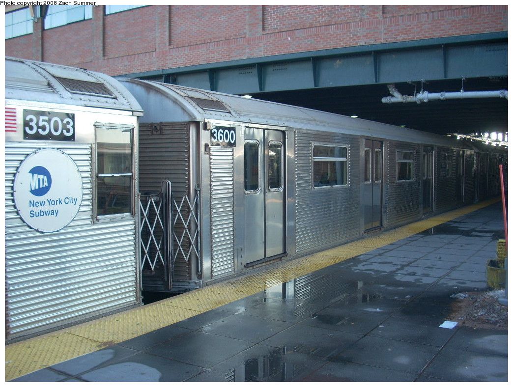(287k, 1044x788)<br><b>Country:</b> United States<br><b>City:</b> New York<br><b>System:</b> New York City Transit<br><b>Location:</b> Coney Island/Stillwell Avenue<br><b>Route:</b> F<br><b>Car:</b> R-32 (Budd, 1964)  3600 <br><b>Photo by:</b> Zach Summer<br><b>Date:</b> 12/20/2007<br><b>Viewed (this week/total):</b> 0 / 1515