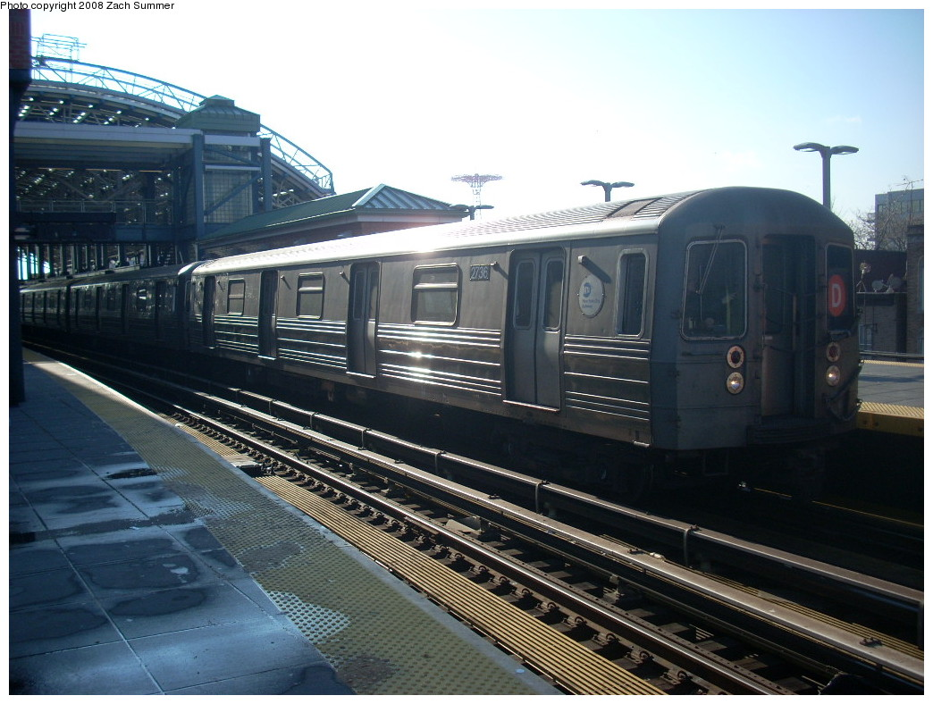 (254k, 1044x788)<br><b>Country:</b> United States<br><b>City:</b> New York<br><b>System:</b> New York City Transit<br><b>Location:</b> Coney Island/Stillwell Avenue<br><b>Route:</b> D<br><b>Car:</b> R-68 (Westinghouse-Amrail, 1986-1988)  2736 <br><b>Photo by:</b> Zach Summer<br><b>Date:</b> 12/20/2007<br><b>Viewed (this week/total):</b> 0 / 1326
