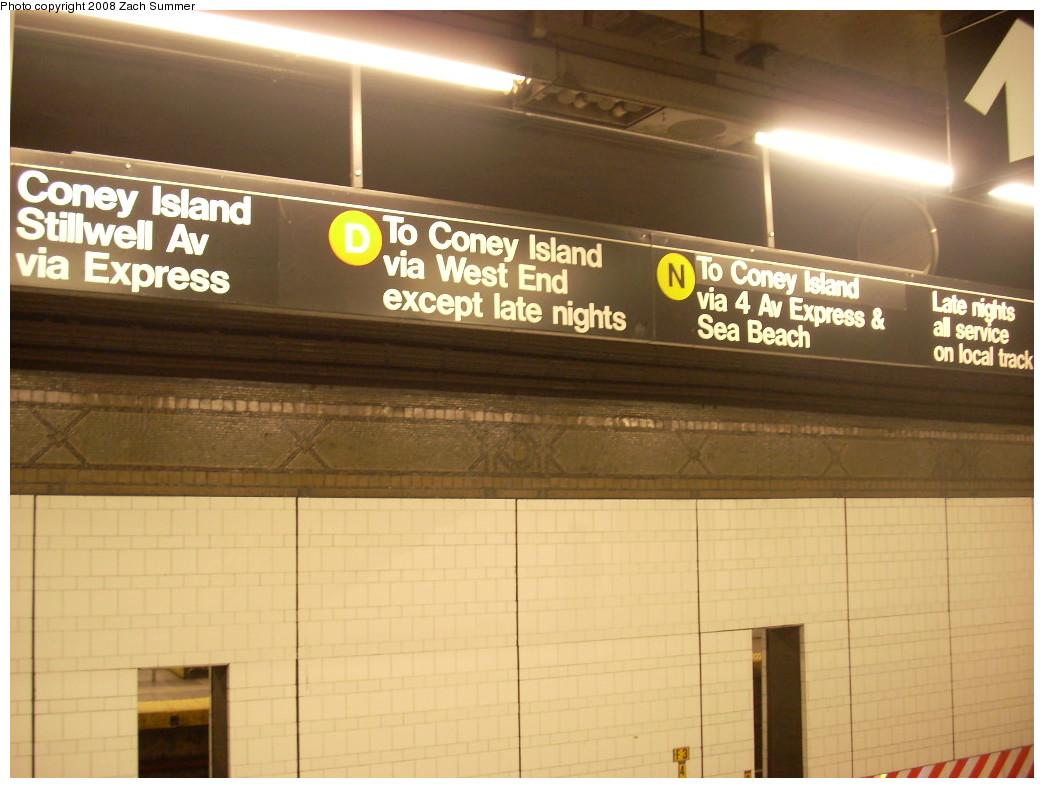 (213k, 1044x788)<br><b>Country:</b> United States<br><b>City:</b> New York<br><b>System:</b> New York City Transit<br><b>Line:</b> BMT 4th Avenue<br><b>Location:</b> 36th Street <br><b>Photo by:</b> Zach Summer<br><b>Date:</b> 12/20/2007<br><b>Viewed (this week/total):</b> 1 / 2983