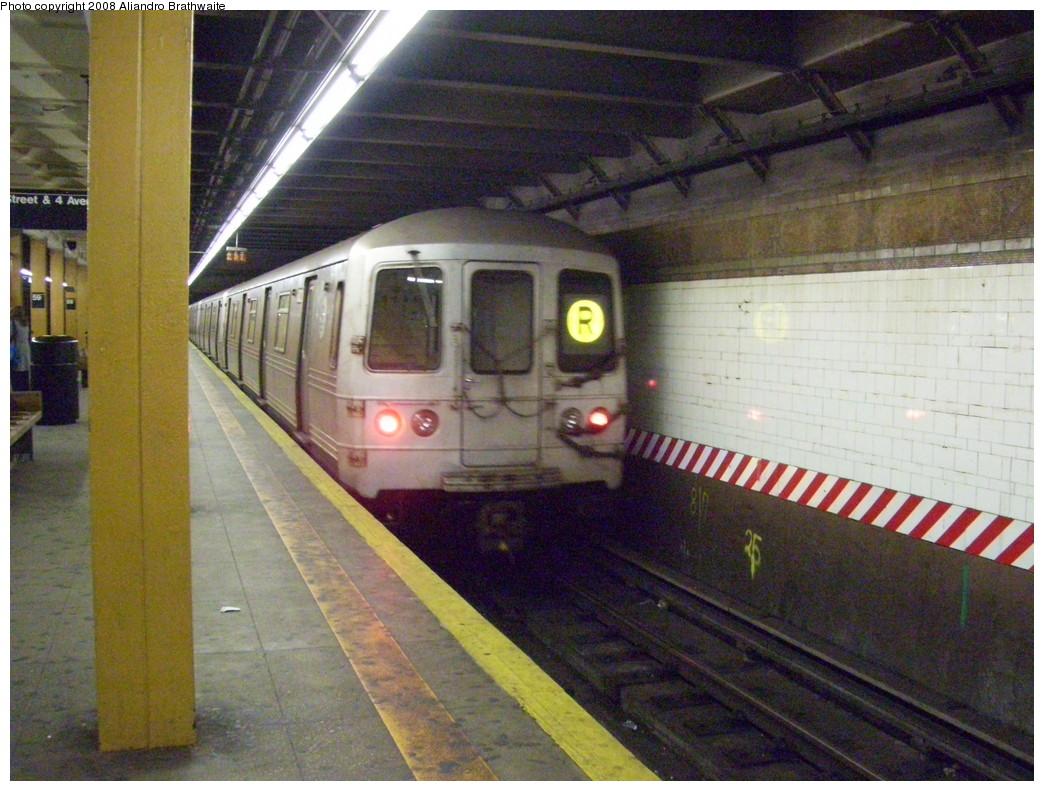 (259k, 1044x791)<br><b>Country:</b> United States<br><b>City:</b> New York<br><b>System:</b> New York City Transit<br><b>Line:</b> BMT 4th Avenue<br><b>Location:</b> 59th Street <br><b>Route:</b> R<br><b>Car:</b> R-46 (Pullman-Standard, 1974-75) 5924 <br><b>Photo by:</b> Aliandro Brathwaite<br><b>Date:</b> 3/7/2008<br><b>Viewed (this week/total):</b> 1 / 2838