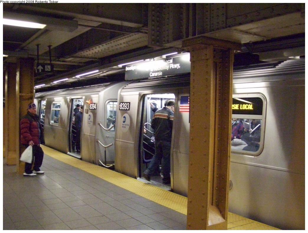 (219k, 1044x791)<br><b>Country:</b> United States<br><b>City:</b> New York<br><b>System:</b> New York City Transit<br><b>Line:</b> BMT Canarsie Line<br><b>Location:</b> Union Square <br><b>Route:</b> L<br><b>Car:</b> R-160A-1 (Alstom, 2005-2008, 4 car sets)  8393 <br><b>Photo by:</b> Roberto C. Tobar<br><b>Date:</b> 3/5/2008<br><b>Viewed (this week/total):</b> 0 / 2538