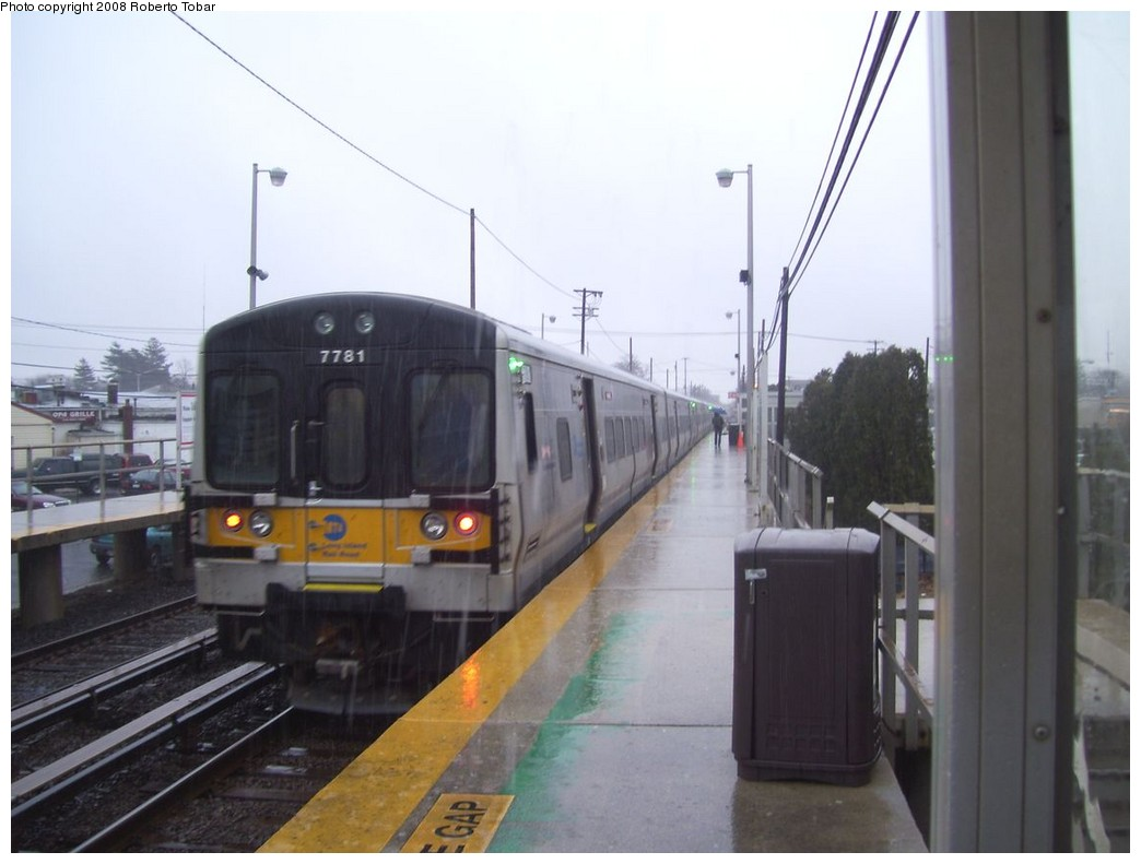 (153k, 1044x791)<br><b>Country:</b> United States<br><b>System:</b> Long Island Rail Road<br><b>Line:</b> LIRR Greenport<br><b>Location:</b> Bethpage <br><b>Car:</b> LIRR M-7 EMU (Bombardier) 7781 <br><b>Photo by:</b> Roberto C. Tobar<br><b>Date:</b> 3/8/2008<br><b>Viewed (this week/total):</b> 2 / 1702