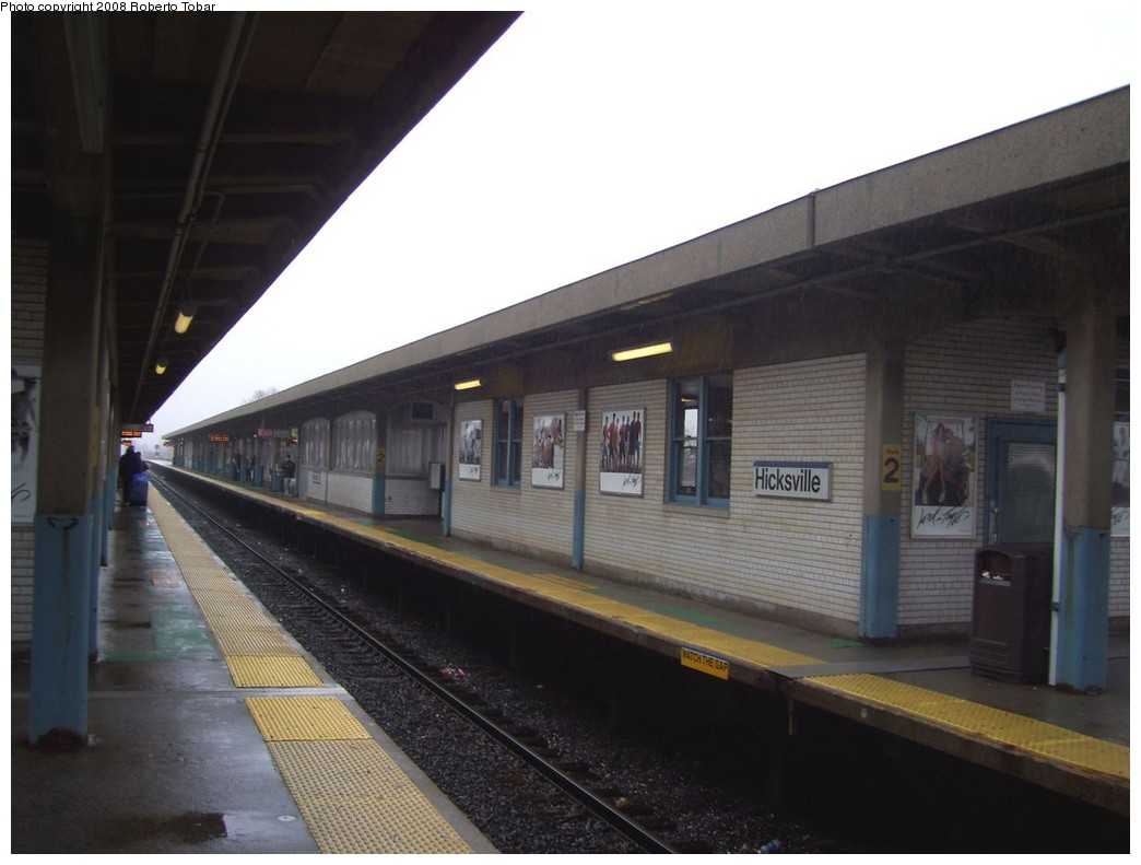 (157k, 1044x791)<br><b>Country:</b> United States<br><b>System:</b> Long Island Rail Road<br><b>Line:</b> LIRR Port Jefferson<br><b>Location:</b> Hicksville <br><b>Photo by:</b> Roberto C. Tobar<br><b>Date:</b> 3/8/2008<br><b>Viewed (this week/total):</b> 0 / 673