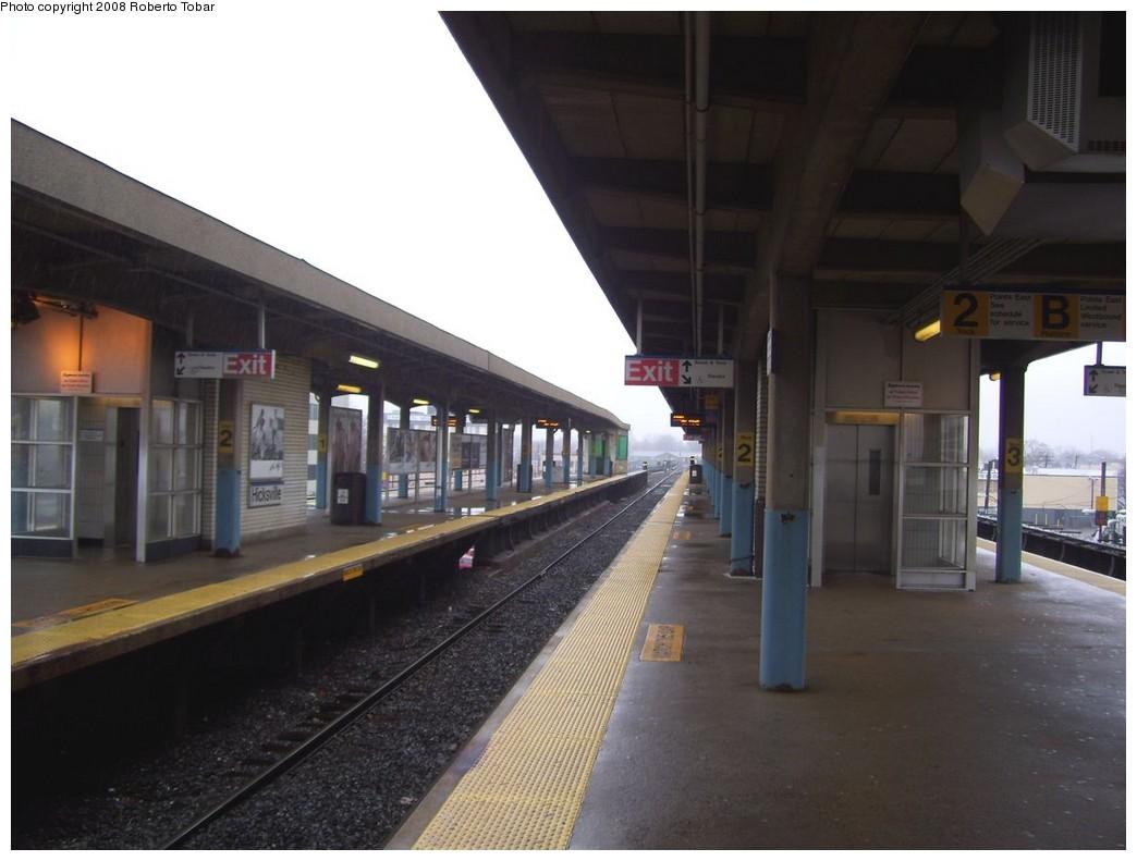 (163k, 1044x791)<br><b>Country:</b> United States<br><b>System:</b> Long Island Rail Road<br><b>Line:</b> LIRR Port Jefferson<br><b>Location:</b> Hicksville <br><b>Photo by:</b> Roberto C. Tobar<br><b>Date:</b> 3/8/2008<br><b>Viewed (this week/total):</b> 0 / 614