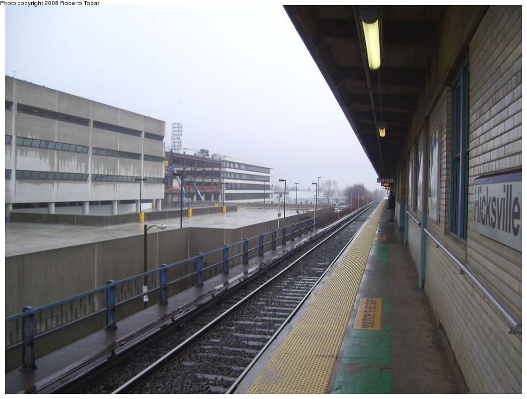 (182k, 1044x791)<br><b>Country:</b> United States<br><b>System:</b> Long Island Rail Road<br><b>Line:</b> LIRR Port Jefferson<br><b>Location:</b> Hicksville <br><b>Photo by:</b> Roberto C. Tobar<br><b>Date:</b> 3/8/2008<br><b>Viewed (this week/total):</b> 1 / 658