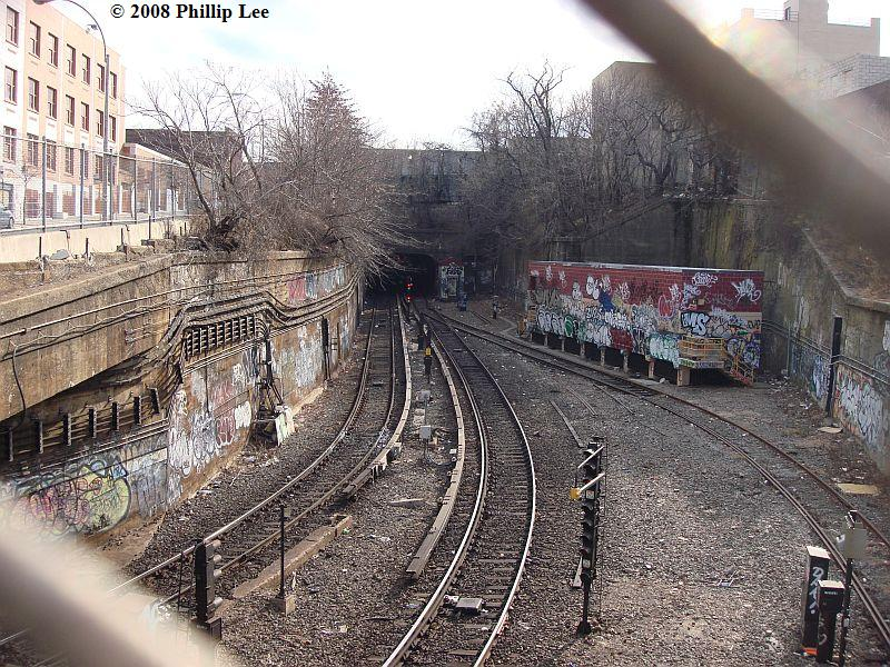 (172k, 800x600)<br><b>Country:</b> United States<br><b>City:</b> New York<br><b>System:</b> New York City Transit<br><b>Line:</b> South Brooklyn Railway<br><b>Location:</b> West End Jct (east of 4th Ave) (SBK)<br><b>Photo by:</b> Phillip Lee<br><b>Date:</b> 1/27/2008<br><b>Viewed (this week/total):</b> 1 / 2749