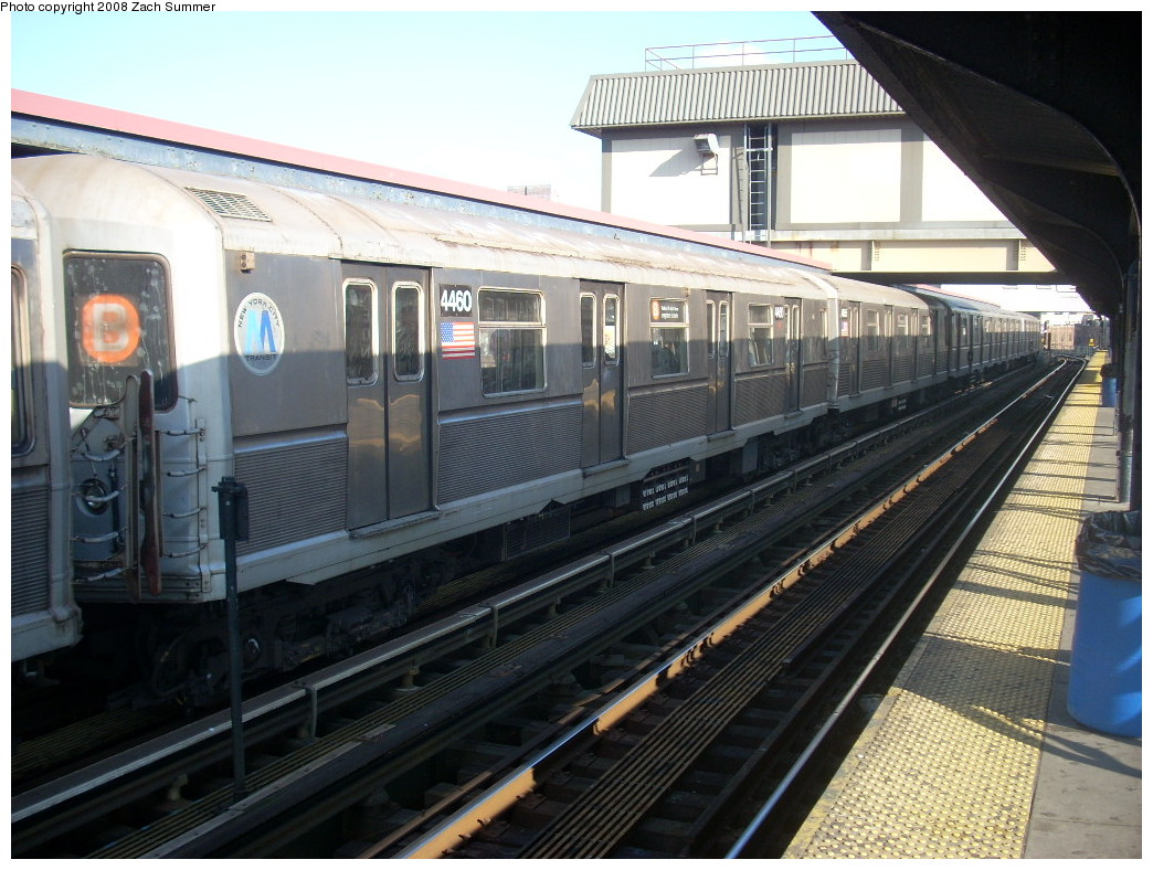 (265k, 1044x788)<br><b>Country:</b> United States<br><b>City:</b> New York<br><b>System:</b> New York City Transit<br><b>Line:</b> BMT Brighton Line<br><b>Location:</b> Brighton Beach <br><b>Route:</b> B<br><b>Car:</b> R-40M (St. Louis, 1969)  4460 <br><b>Photo by:</b> Zach Summer<br><b>Date:</b> 12/20/2007<br><b>Viewed (this week/total):</b> 0 / 1705