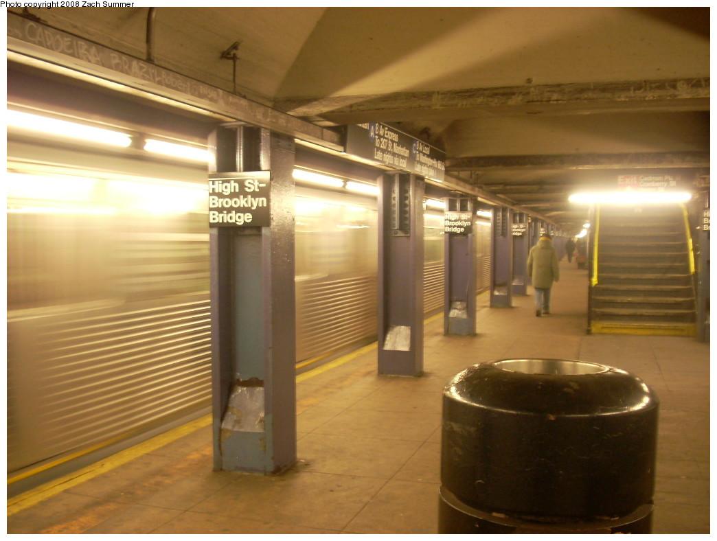 (207k, 1044x788)<br><b>Country:</b> United States<br><b>City:</b> New York<br><b>System:</b> New York City Transit<br><b>Line:</b> IND 8th Avenue Line<br><b>Location:</b> High Street/Brooklyn Bridge <br><b>Photo by:</b> Zach Summer<br><b>Date:</b> 12/21/2007<br><b>Notes:</b> Platform view.<br><b>Viewed (this week/total):</b> 4 / 1815